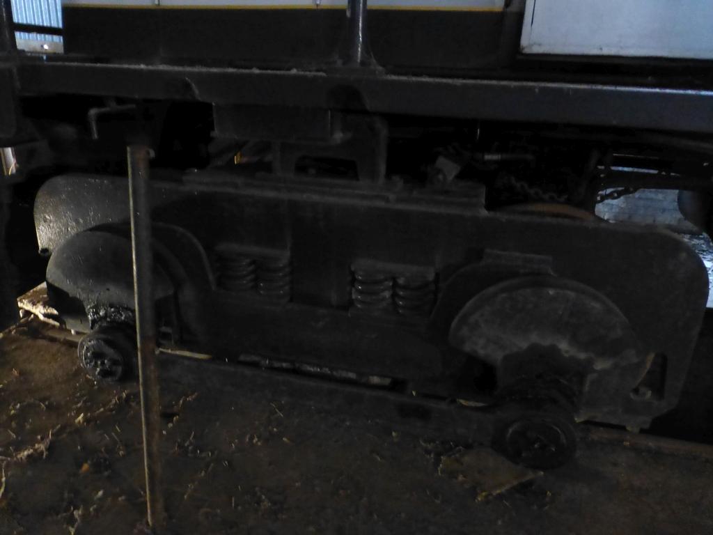 45-Ton GE Locomotive|S/N 15143 - Image 16 of 19