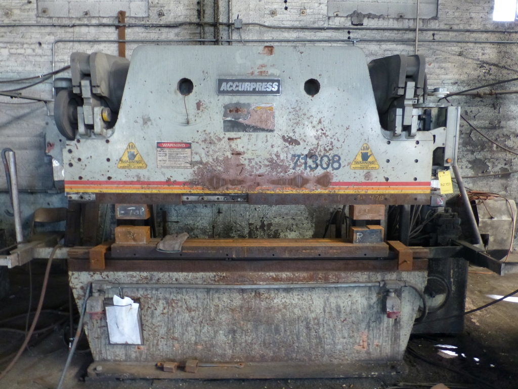 Acuurpress 8' x 130 Ton Hydrualic Press Brake|Model No. 71308; Pedestal Control; S/N 4896; - Image 2 of 8