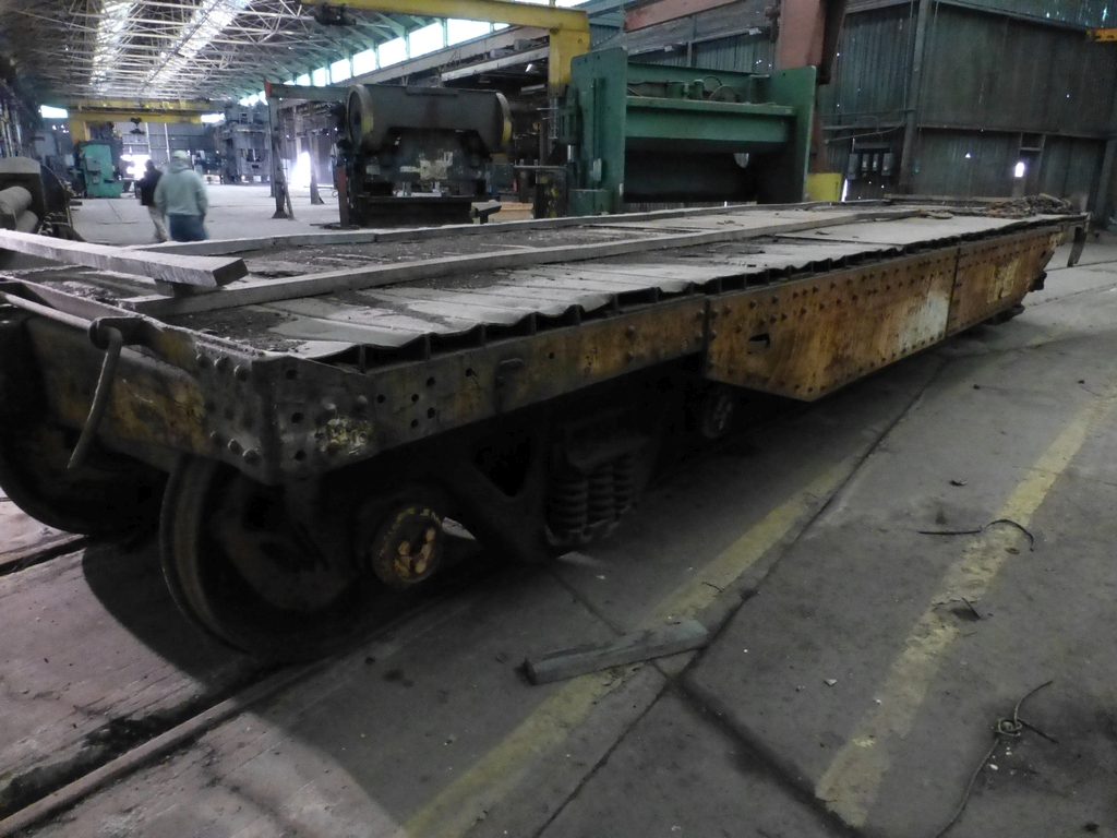 32' Flatbed Material Transport Rail Car 9' Wide - Image 8 of 9