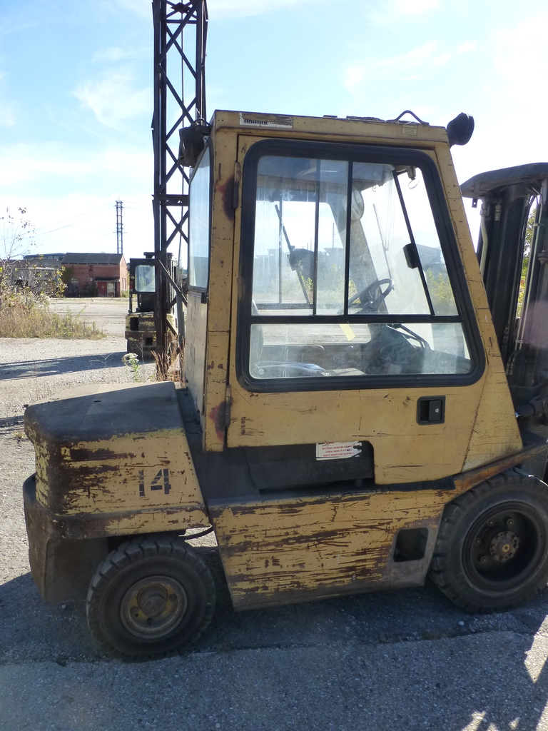 "Hyster Diesel Forklift|6,100 lb Capacity; Model: H60XL S/N:B177803236L 177"" Lift; Cab Heater; Side - Image 6 of 17"