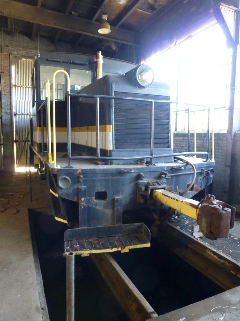45-Ton GE Locomotive|S/N 15143 - Image 2 of 19