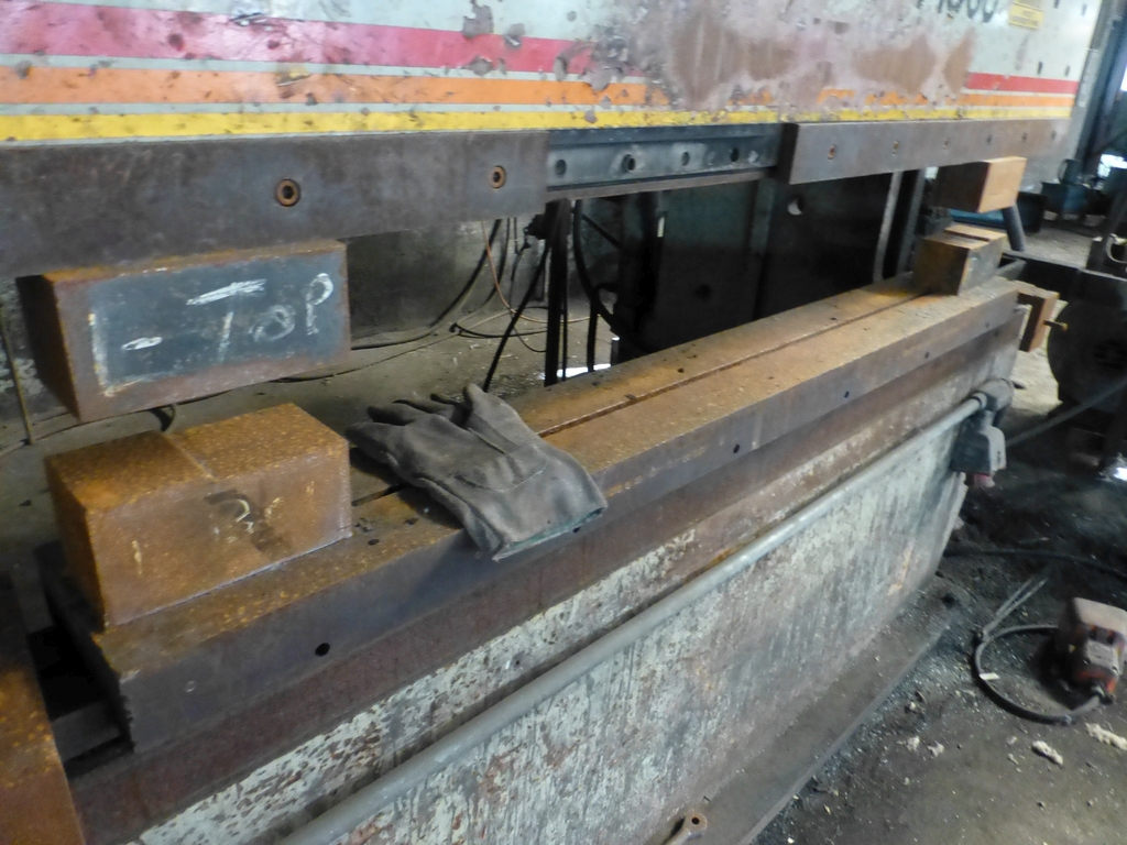 Acuurpress 8' x 130 Ton Hydrualic Press Brake|Model No. 71308; Pedestal Control; S/N 4896; - Image 6 of 8