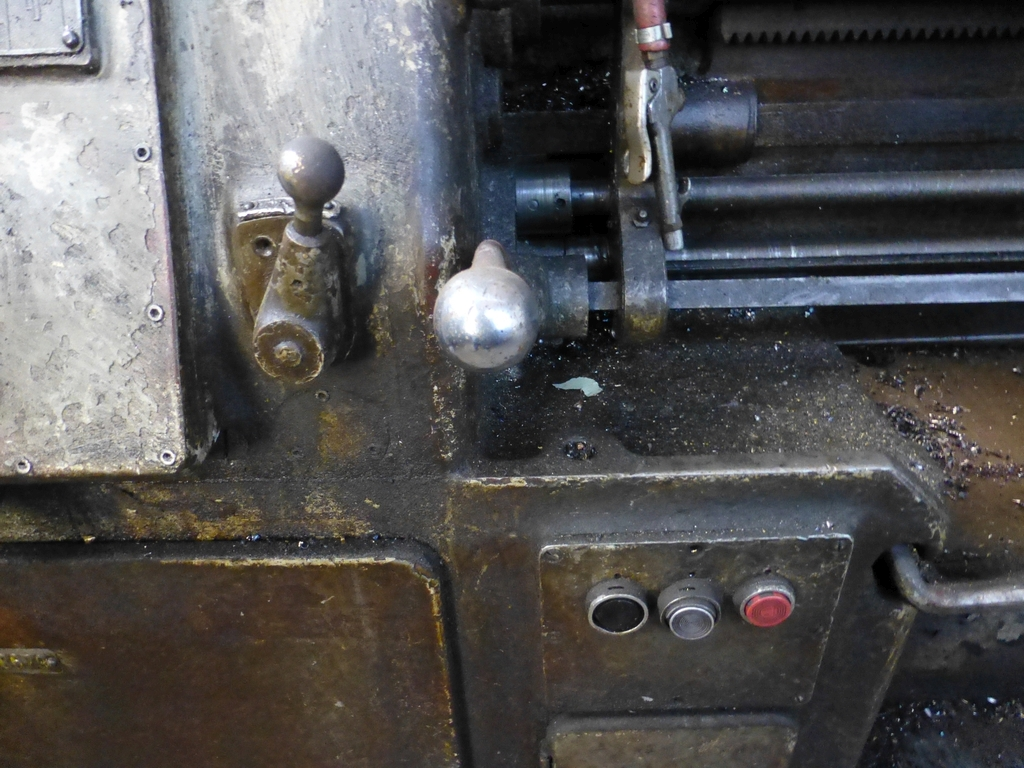 """Monarch 16"""" x 102"""" Engine Lathe With Taper Attachment; 10"""" 3-Jaw Chuck; 19-800 RPM; S/N 43077 - Image 5 of 11"""