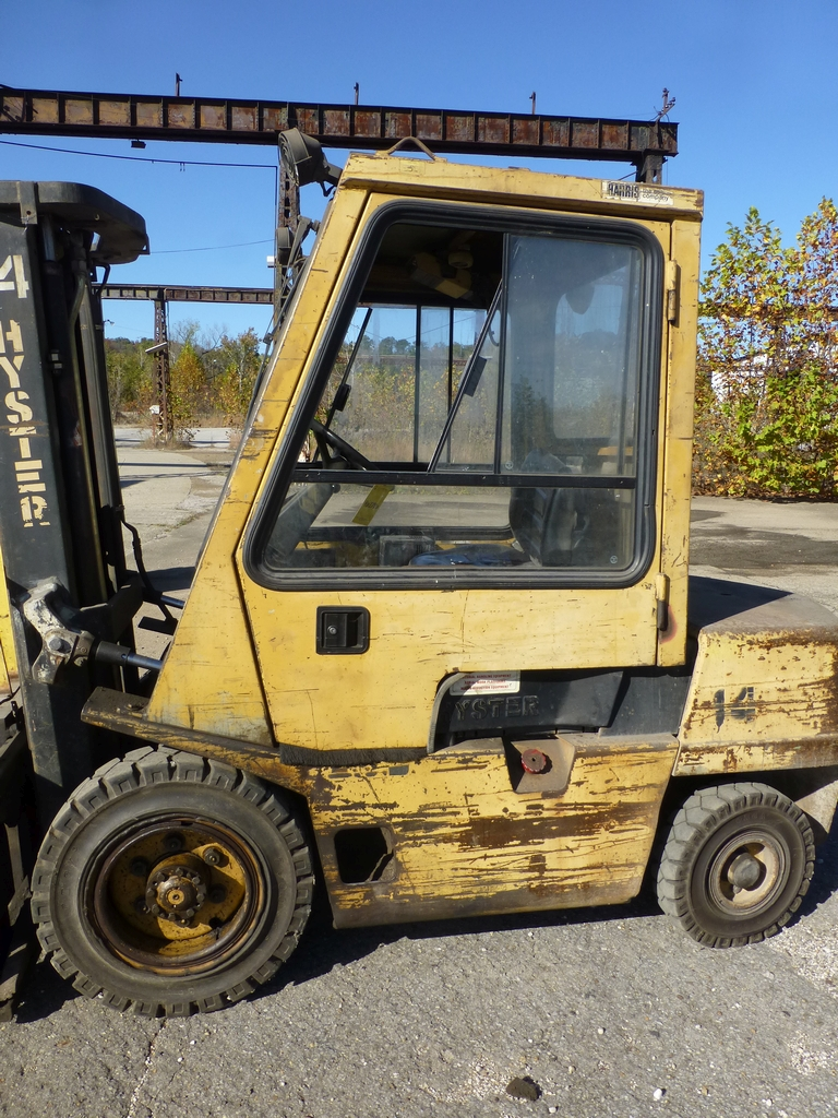 "Hyster Diesel Forklift|6,100 lb Capacity; Model: H60XL S/N:B177803236L 177"" Lift; Cab Heater; Side - Image 4 of 17"