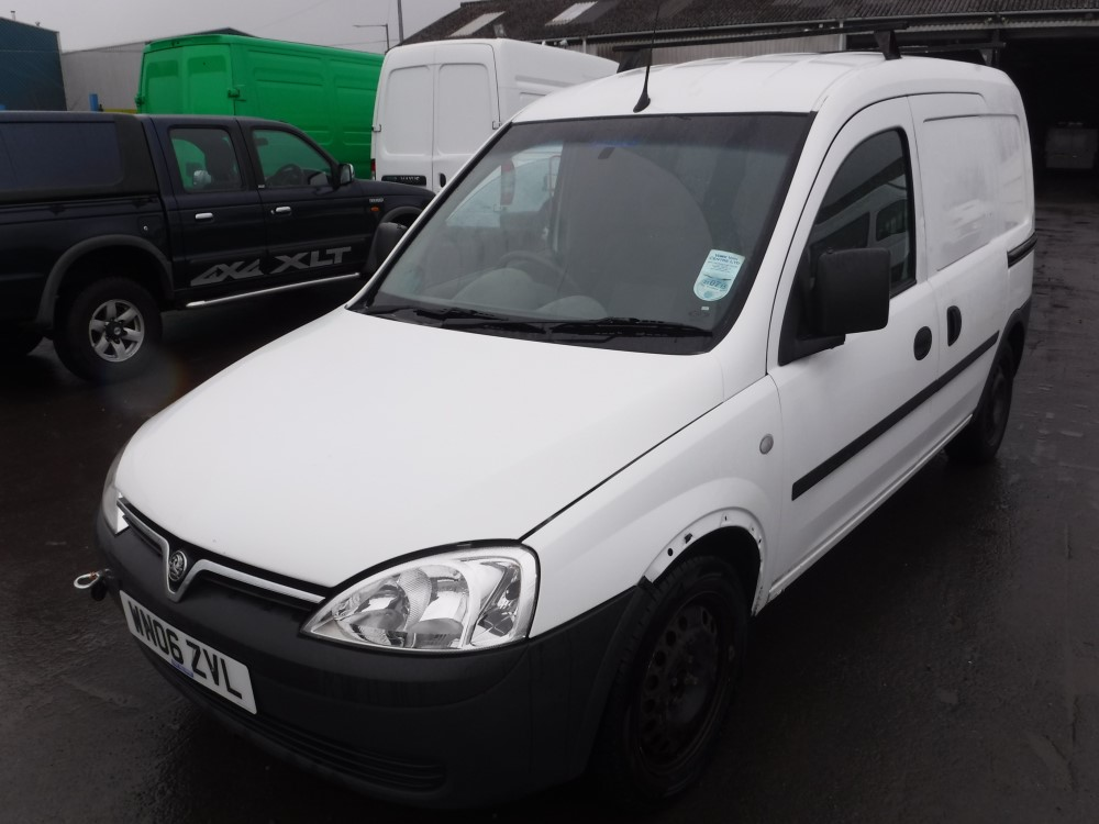 06 reg vauxhall combo 2000 cdti van 1st reg 04 06 test. Black Bedroom Furniture Sets. Home Design Ideas