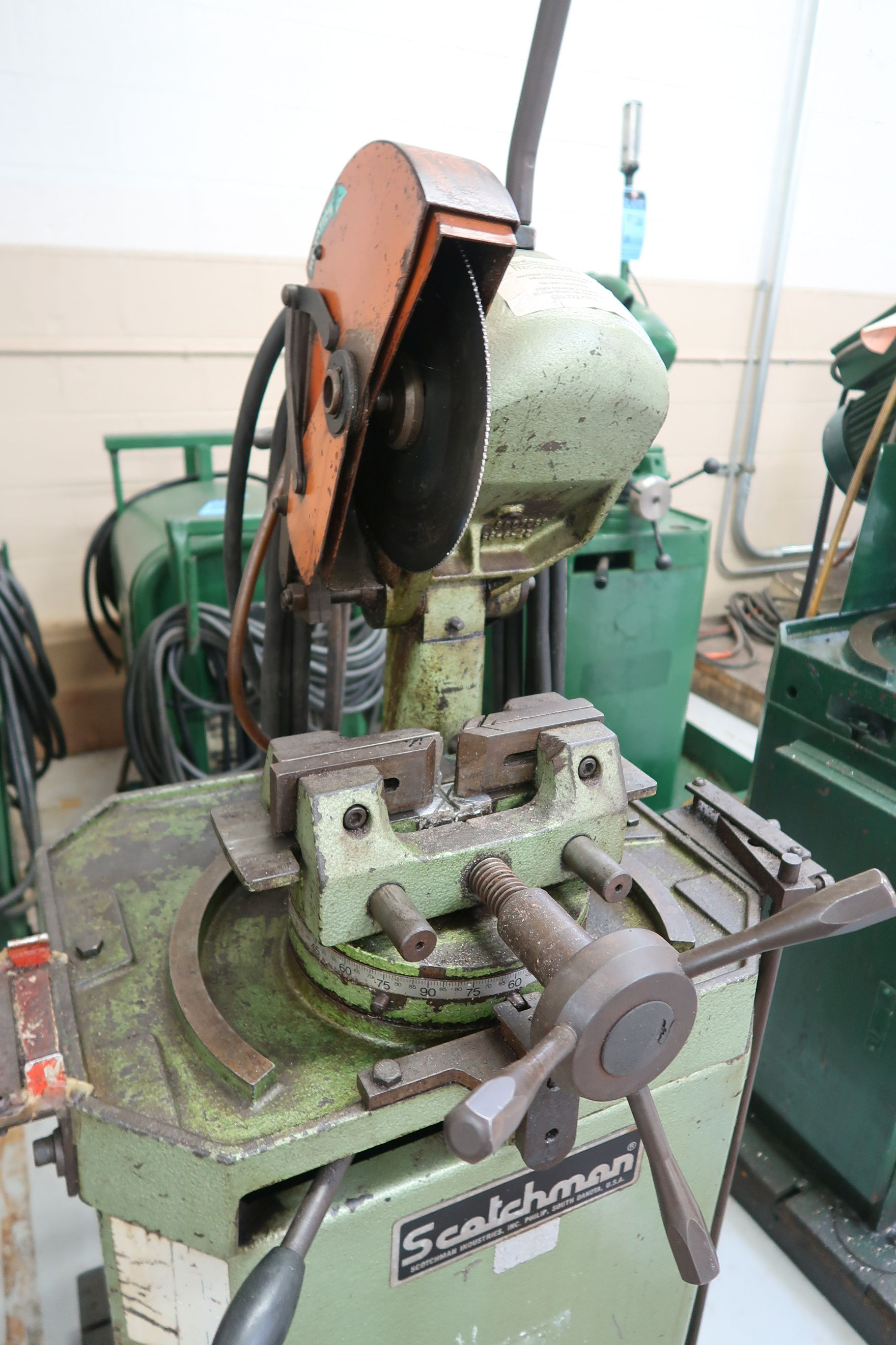"10"" BEWO MANUAL COLD SAW WITH PIVOT HEAD - Image 3 of 6"