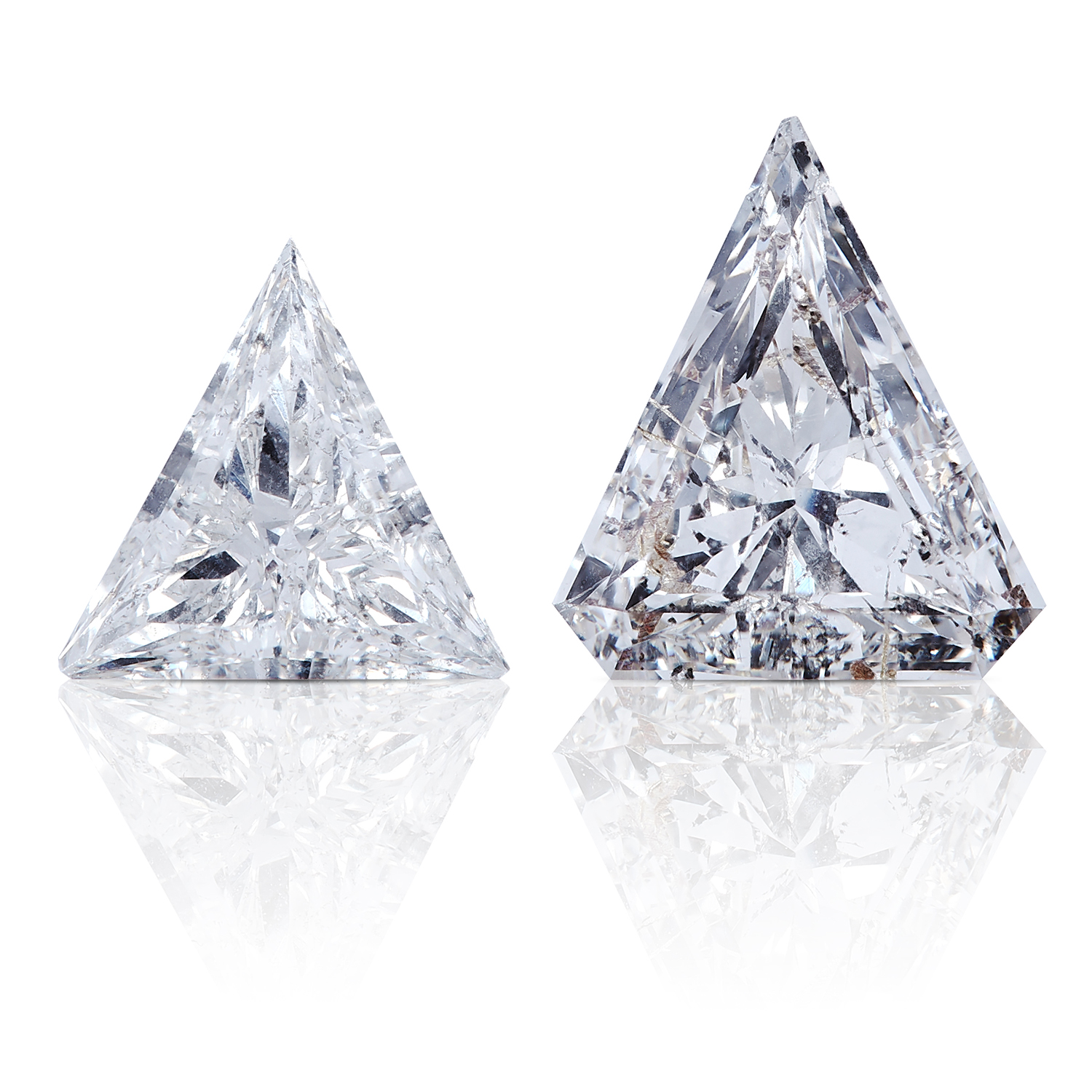 A FANCY STEP CUT DIAMOND AND A TRILLION CUT DIAMOND, TOTALLING 1.17cts, UNMOUNTED.