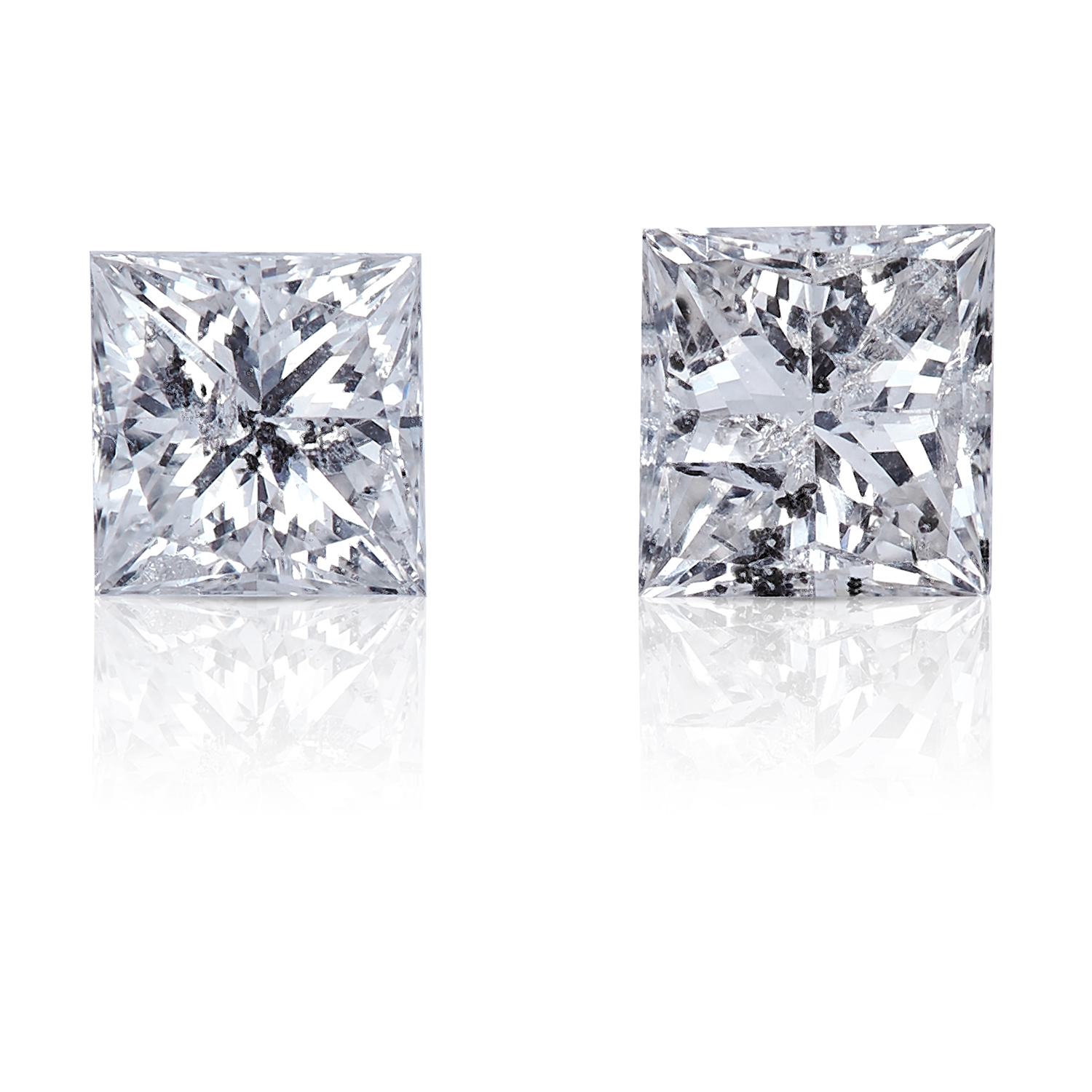 TWO SQUARE MODIFIED BRILLIANT CUT/PRINCESS CUT DIAMONDS, TOTALLING 0.49cts, UNMOUNTED.