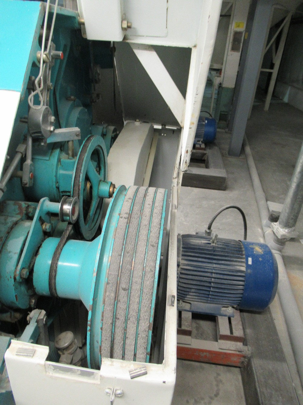 """Lot 12 - 2001 INDOPOL MM-1PRM04, 40""""X10"""" APPROX. DOUBLE ROLLER GRINDING MILL, 2 - 10 HP MOTORS S/N: 225 (NO"""