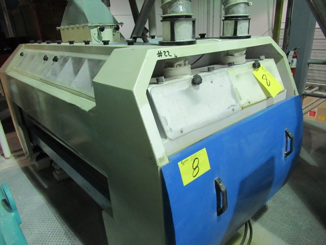 "Lot 8 - VIBRATORY INDUSTRIAL 78"" APPROX. CAPACITY GRAIN CLEANER (NO WIRING)"