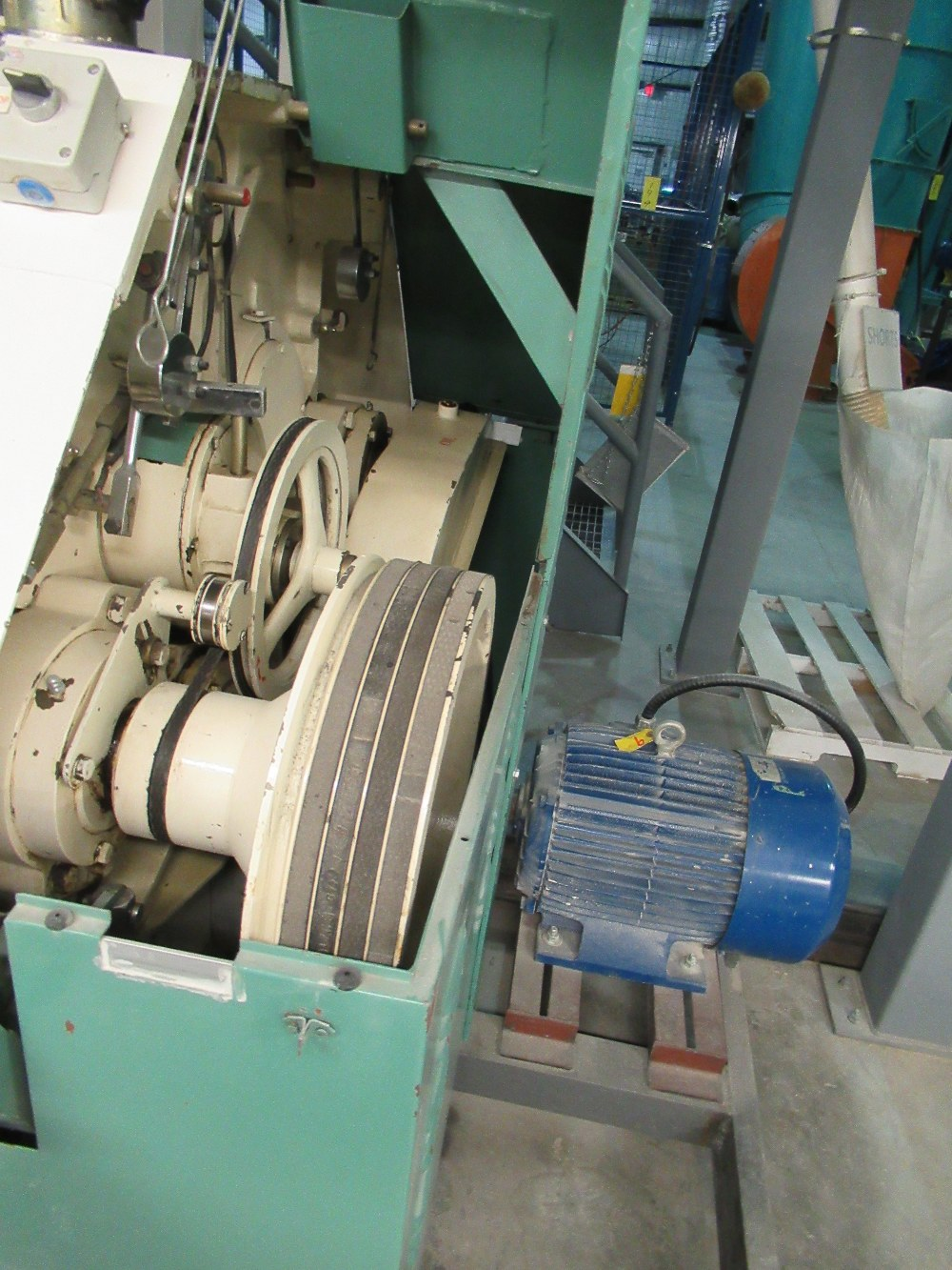 """Lot 13 - 2001 INDOPOL MM-1PRM04, 40""""X10"""" APPROX. DOUBLE ROLLER GRINDING MILL, 1 - 20 HP, 1 - 15HP MOTORS S/N:"""