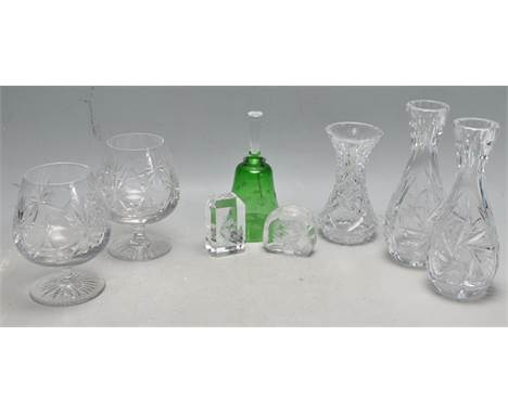 A collection of vintage late 20th century and later glassware to include two Edinburgh Crystal brandy tumblers, a pair of Boh