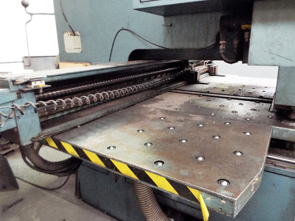 Lot 1 - Amada Octo 334 NC Punch Press with Fanuc Control.