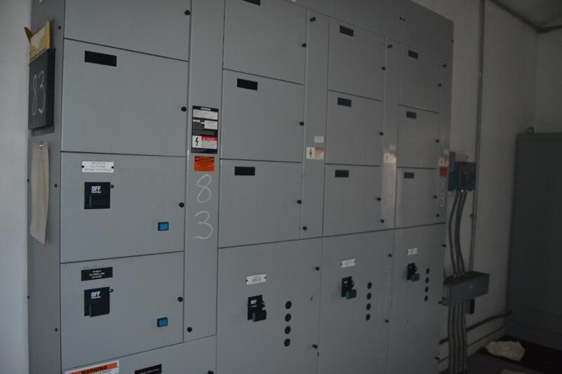 Lot 83 - SIEMENS 5 SECTION 800 AMP MCC PANEL