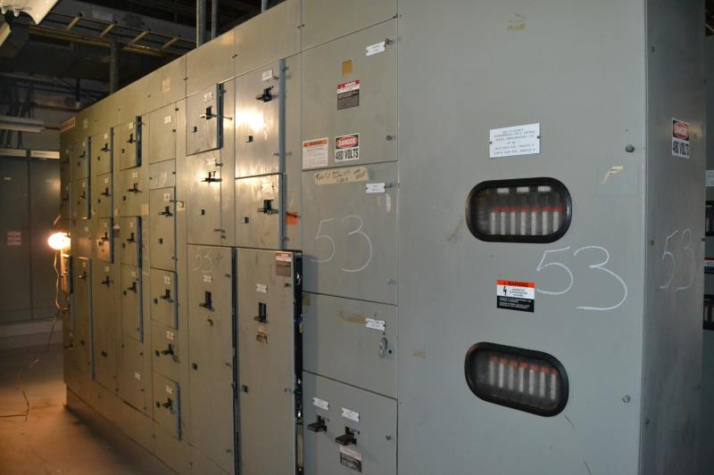 Lot 53 - SIEMENS-ALLIS 9 SECTIONS 800 AMP MCC PANEL