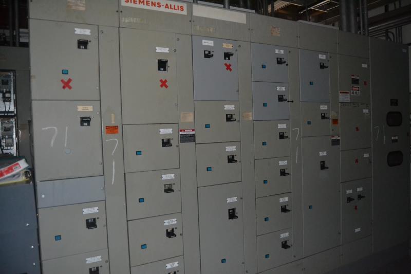 Lot 71 - SIEMENS 7 SECTION 800 AMP MCC PANEL