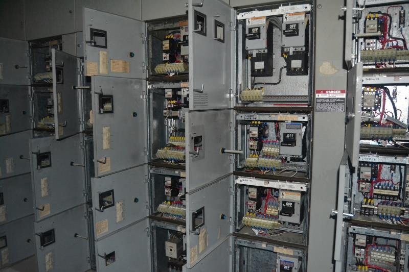 Lot 70 - SIEMENS 18 SECTION 800 AMP MCC PANEL