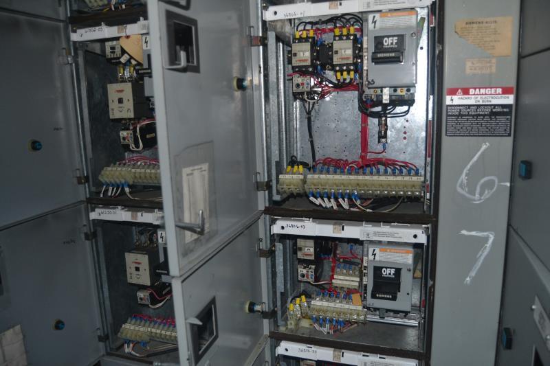Lot 67 - SIEMENS 8 SECTION 800 AMP MCC PANEL