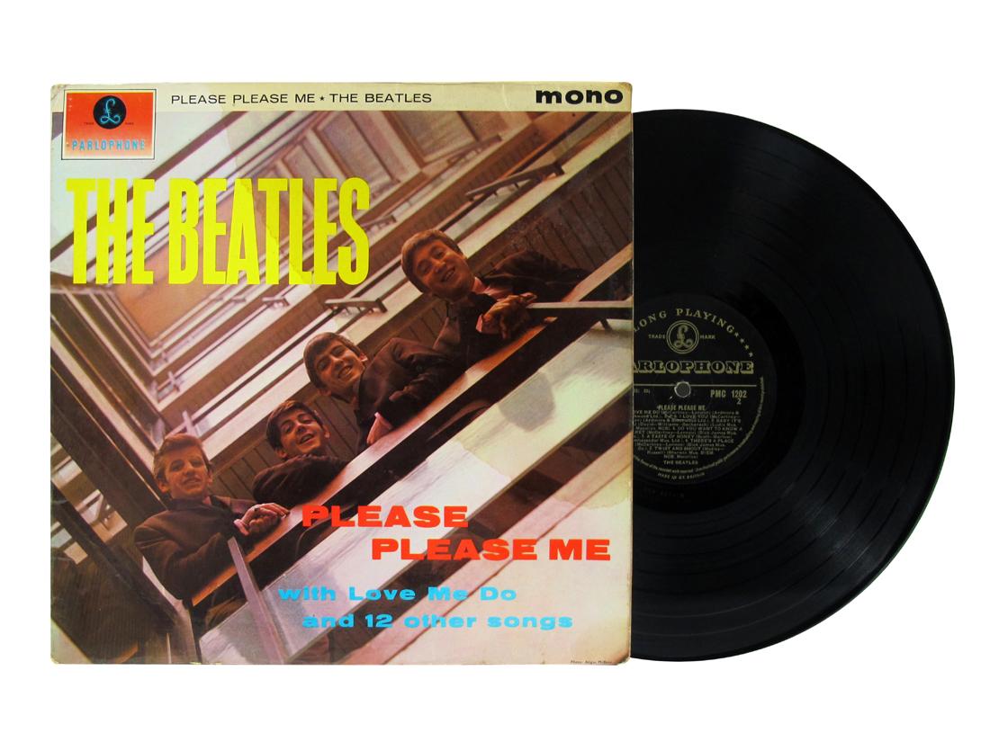 Lot 653 - The Beatles: Please Please Me LP , 1963 the rare Black/Gold Parlophone label, Mono PMC 1202,