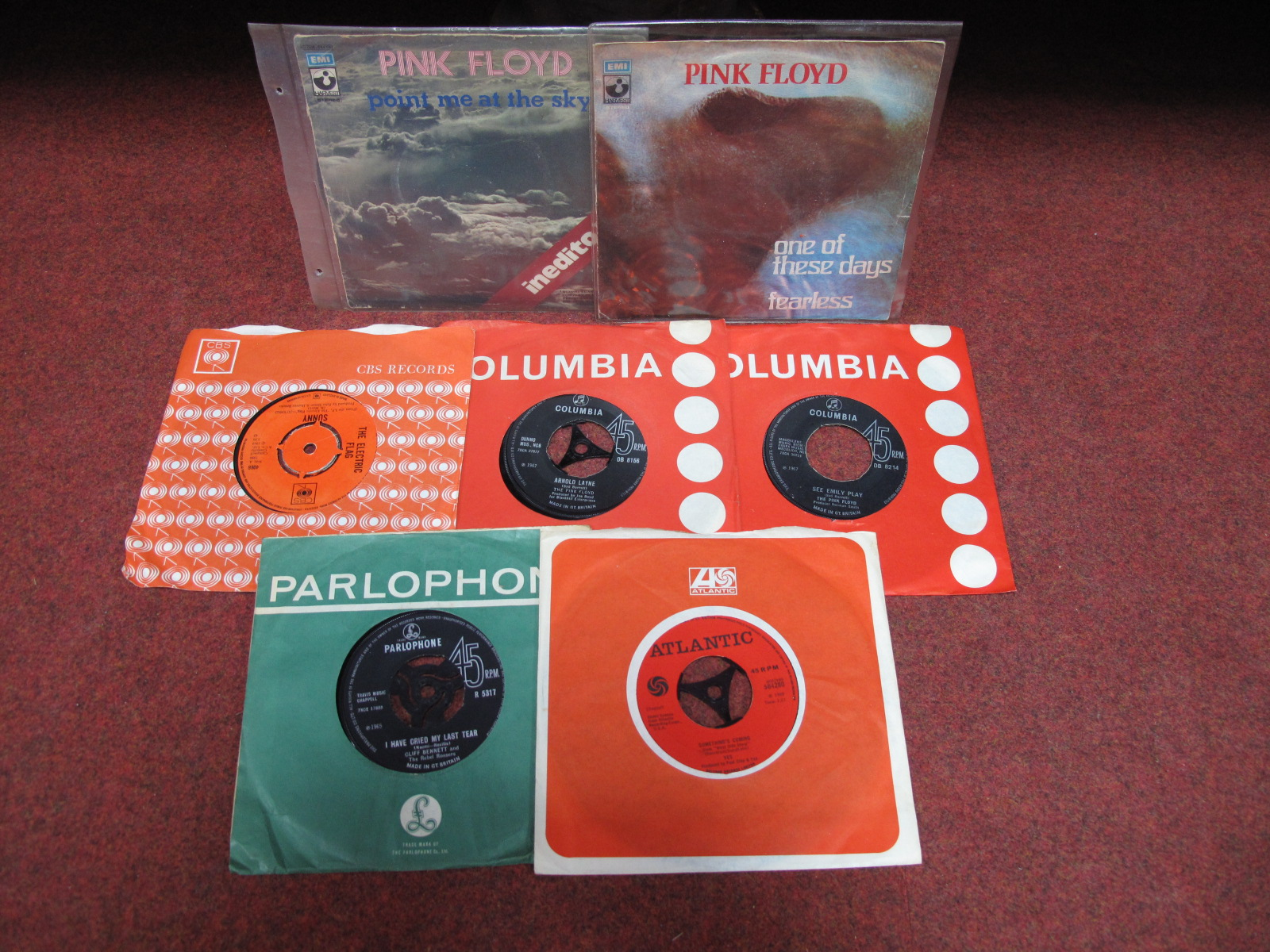 """Lot 606 - Pink Floyd 'See Emily Play', 'Arnold Layne 7"""" singles, 'Point Me At The Sky' (p/s) and 'One Of These"""