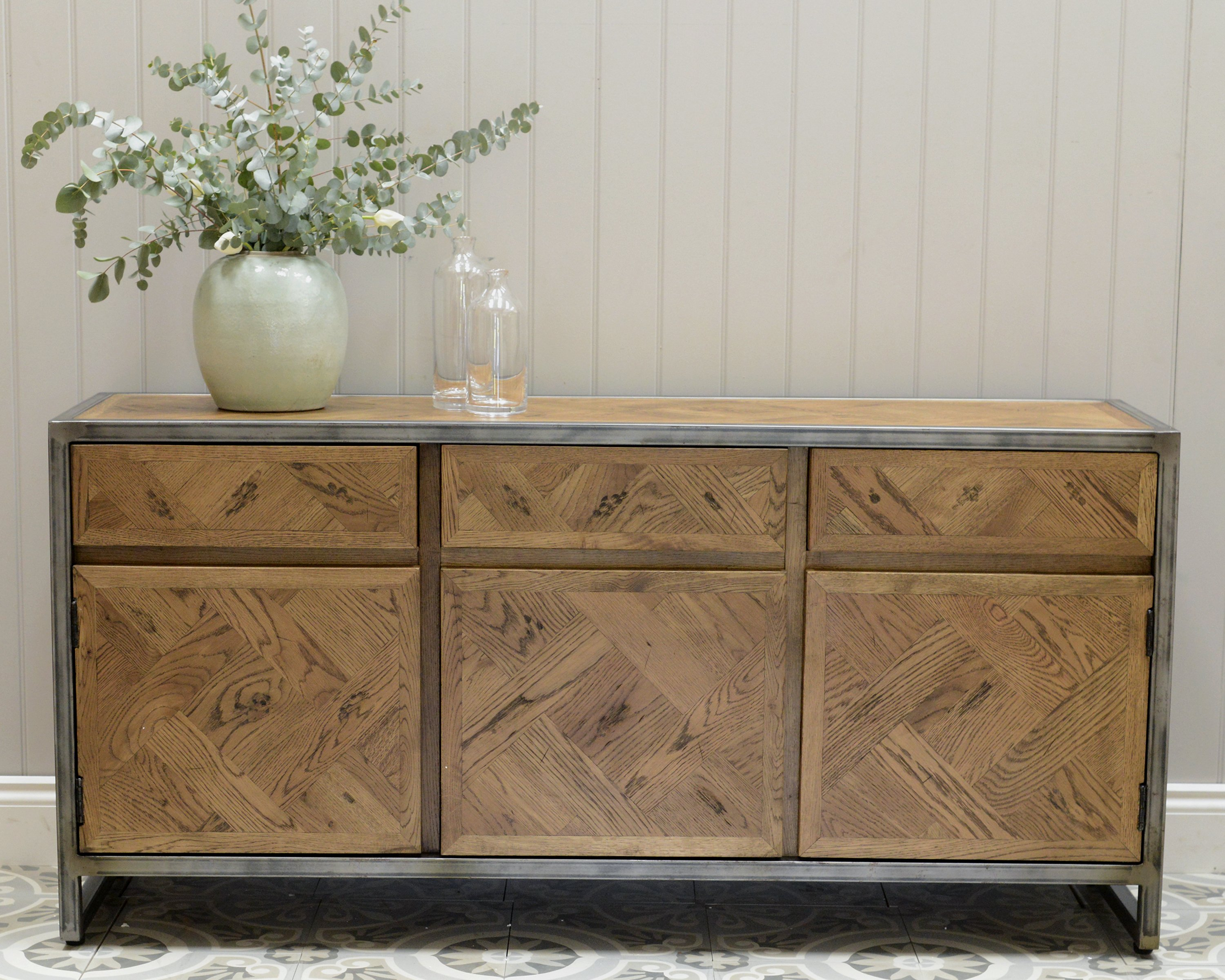Lot 3200 - Rochelle Sideboard 160x46 Cm Saloon And Iron