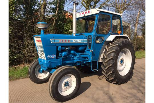 Ford 7000 Tractor : Ford cylinder diesel tractor reg no jbj n