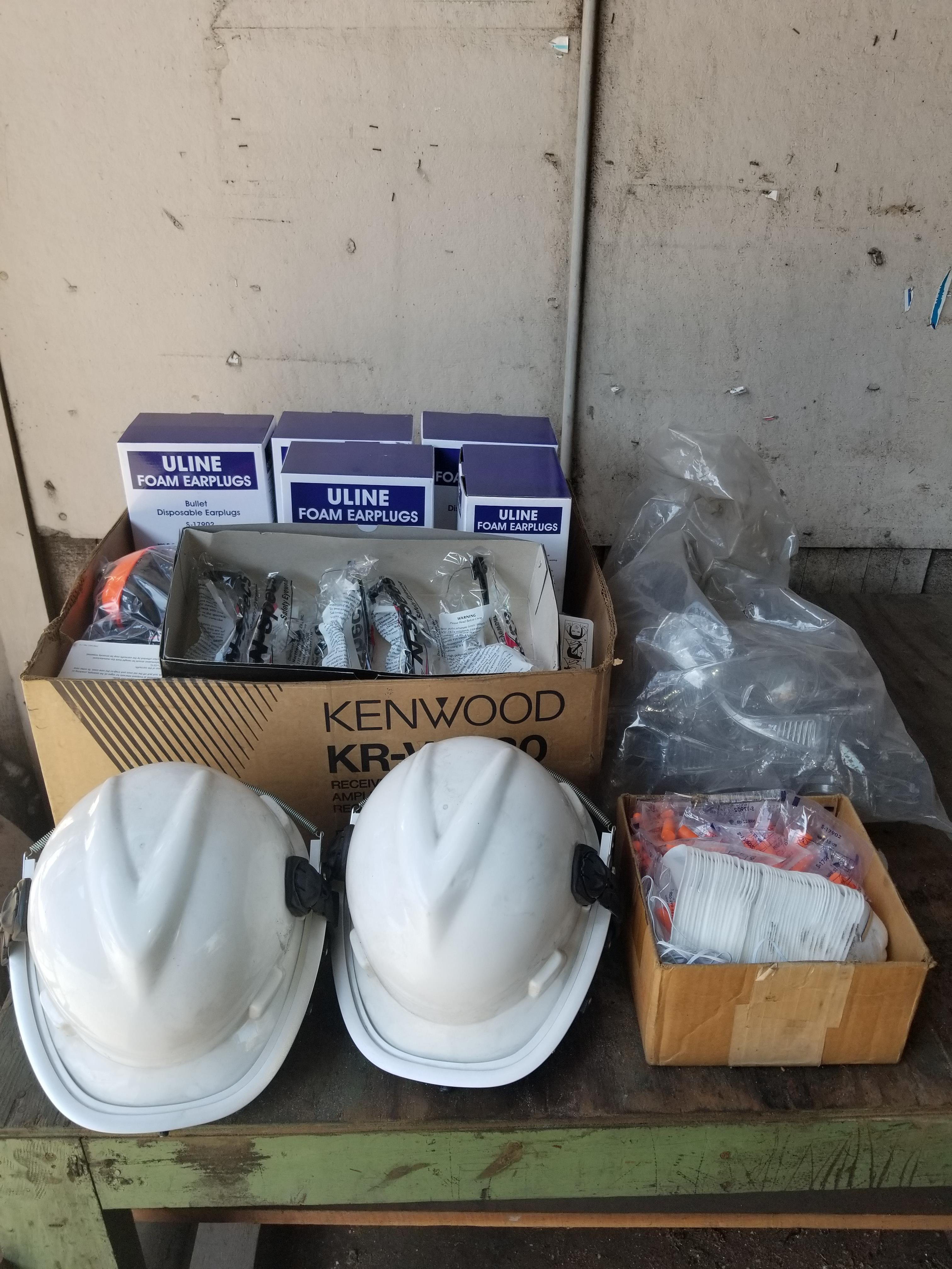 (Lot) Safety equipment including earplugs, glasses, masks and helmets.