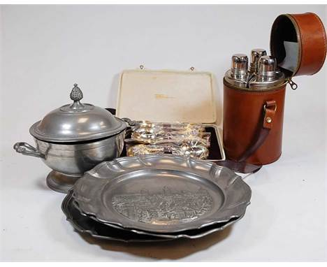 A collection of miscellaneous items, to include a modern three bottle hunting flask set in leather case, pewter plates, cased