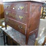 A SMALL CHEST OF THREE DRAWERS, WITH GILT DECORATION AND A WHITE PAINTED DINNER TROLLEY (2)