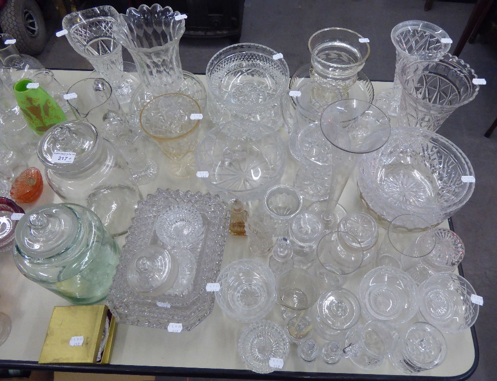 Lot 217 - A QUANTITY OF CUT GLASS TO INCLUDE; BOWLS, VASES, DISHES ETC....