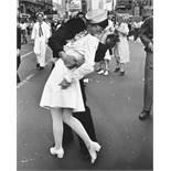 East Urban Home, Time Life - War Time Kiss Photographic Print RRP £37.99 (ARTG7423 - 13652/1) 3C
