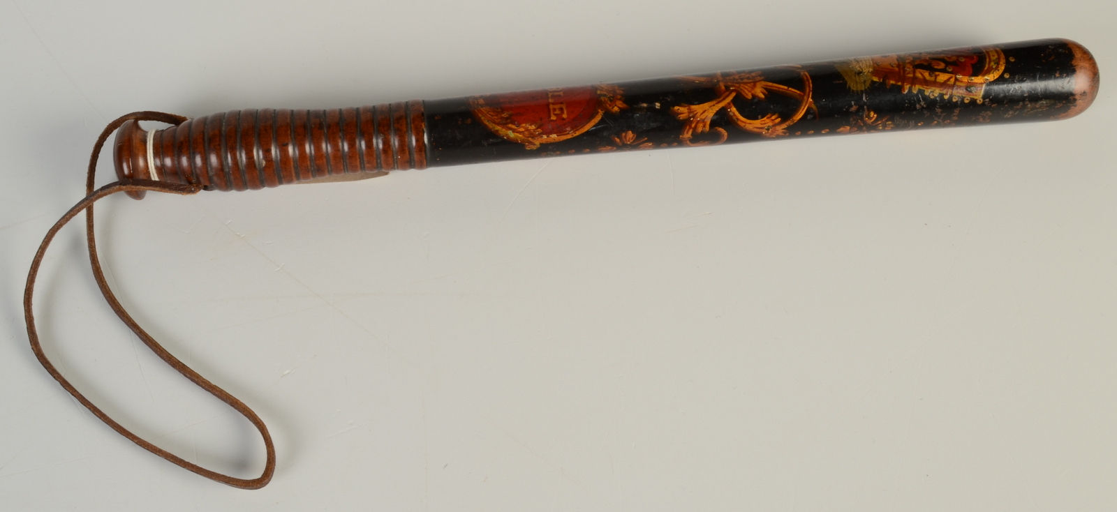 Lot 4 - A Victorian Parker truncheon painted with a crown and VR cypher above a red ground 'Constable'