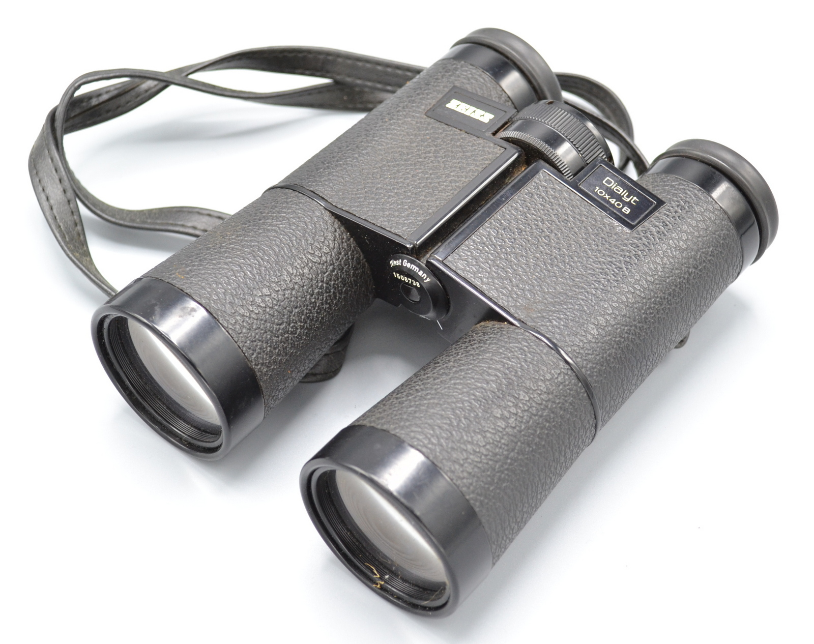 Lot 41 - A pair of Zeiss Dialyt 10x40 B binoculars in a brown leather case.