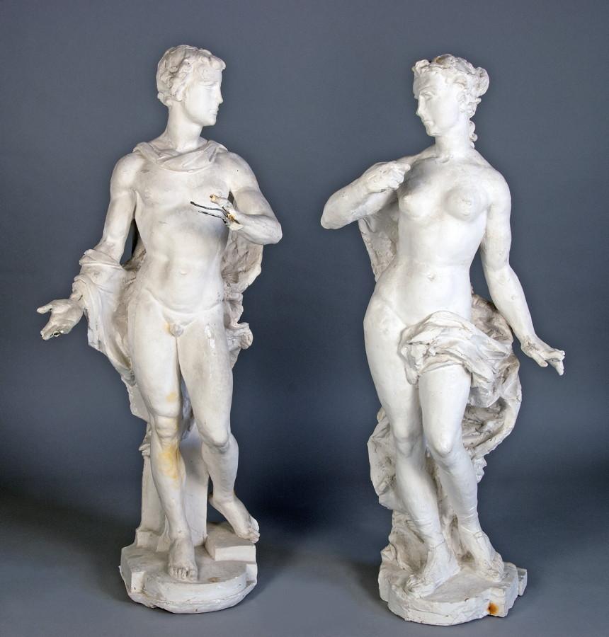 Arminius Hasemann. – Die Plastiken - Männliche allegorische Gestalt. – Weibliche allegorische