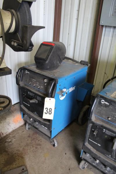 Miller Welding Power Supply, M# Syncrowave 200, S/N MC011344L, No Tank