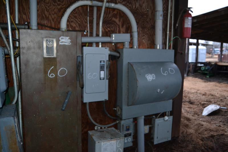 Lot 60 - 30 HP STARTER