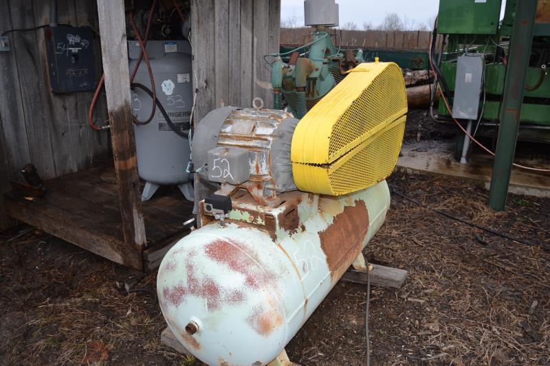 25 HP TANK MOUNTED AIR COMPRESSOR