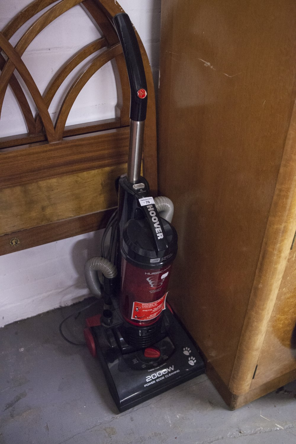 Lot 79 - AN UPRIGHT HOOVER 2000W, A HAND VACUUM, ANOTHER HOOVER AND A MICROWAVE OVEN