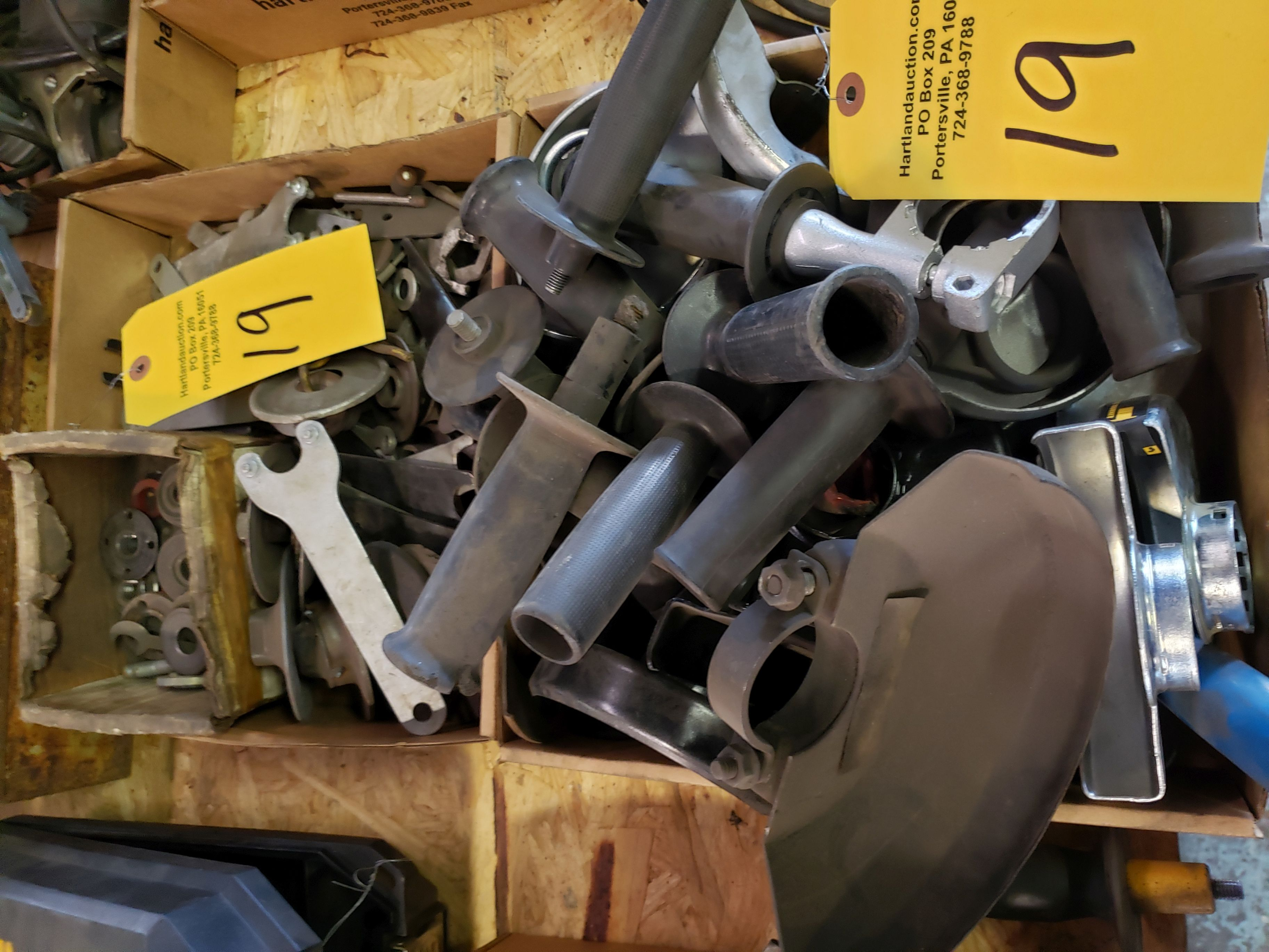 Lot 19 - RIGHT ANGLE GRINDER PARTS 2 BOXES
