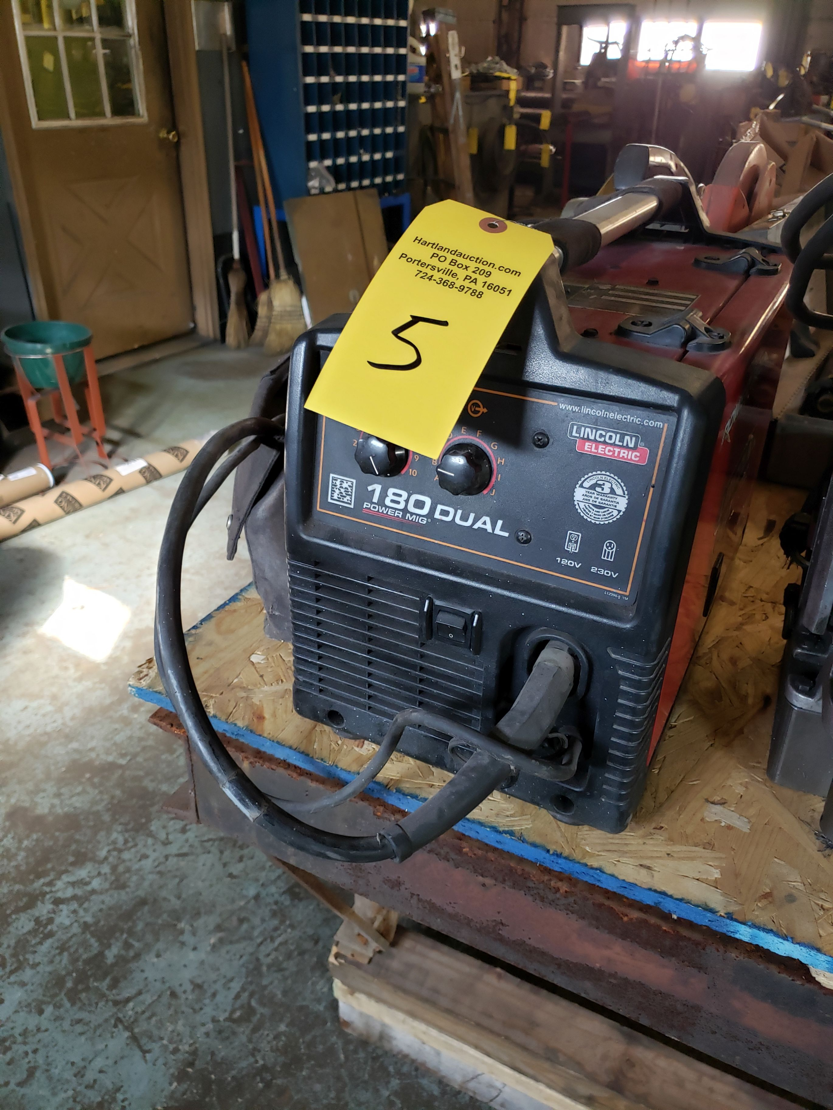 Lot 5 - LINCOLN 180 DUAL POWER MIG WELDER SINGLE PHASE 120/208/230V, SN M3140207795, CODE 11828