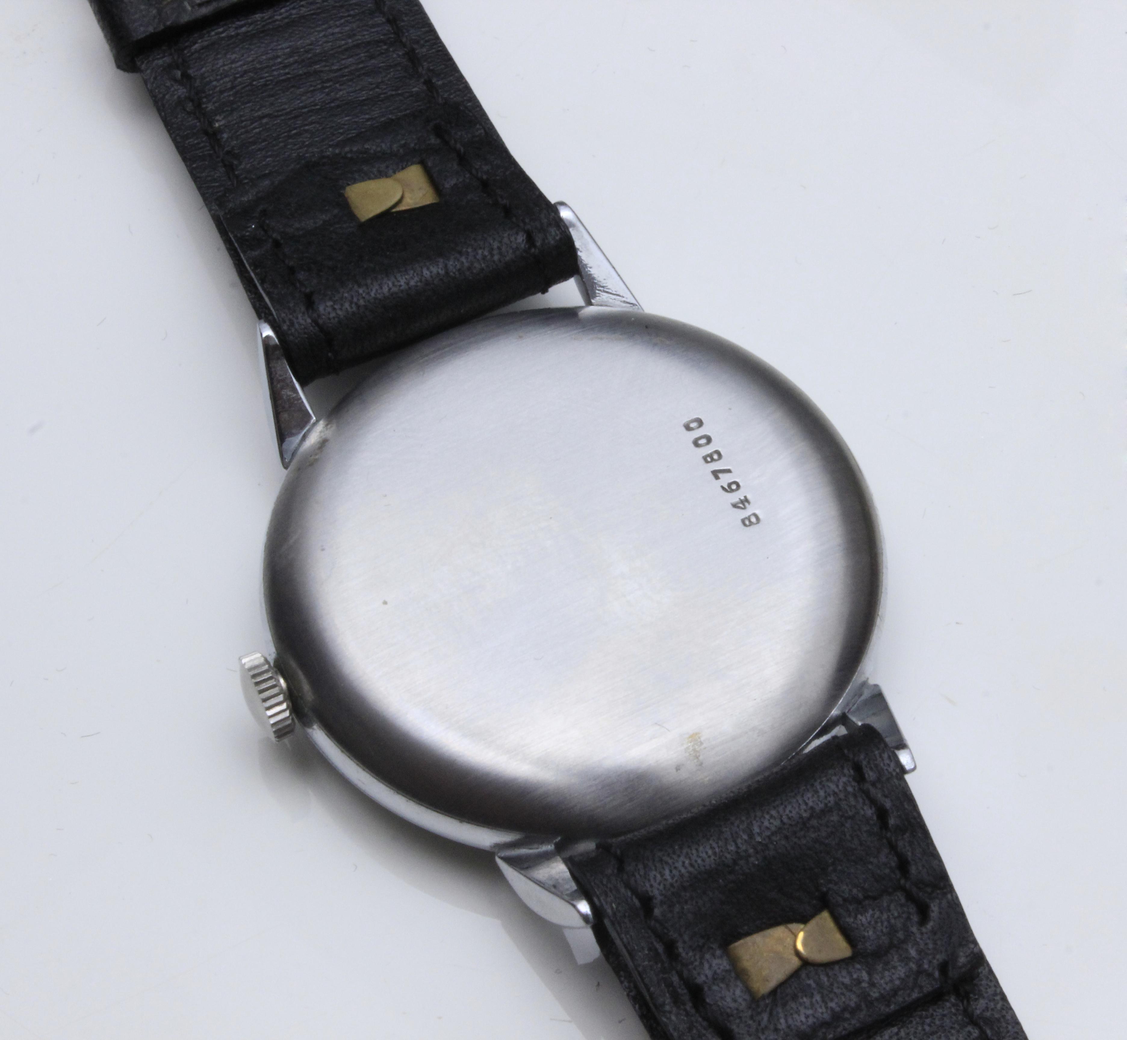 Lot 70 - Zenith. A gentlemen wrist watch circa 1950