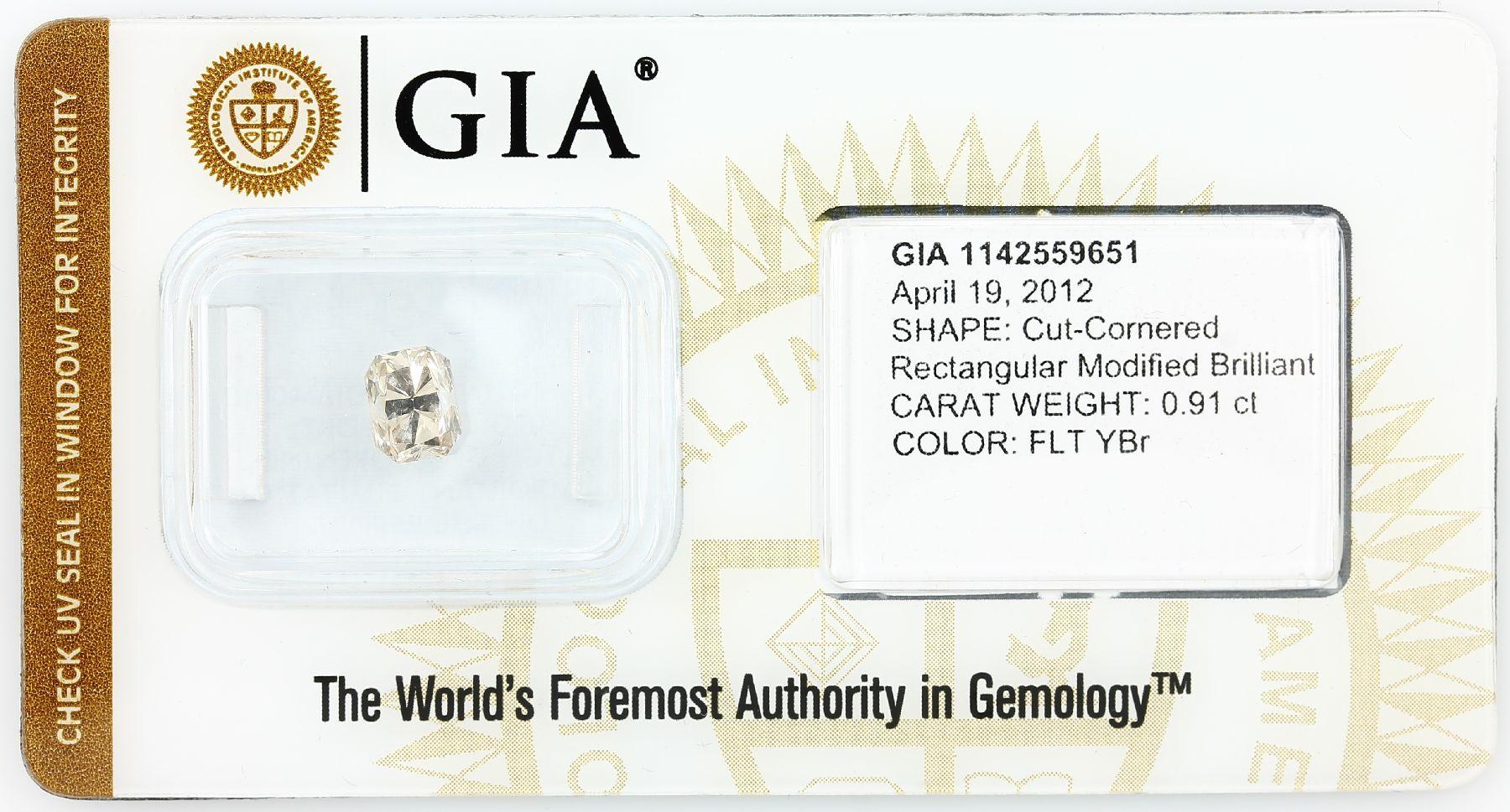 Loser Diamant, 0.91 ct Natural fancy light yellow-brown, rechteckig facett., 5.99 x 4.72 x 3.95