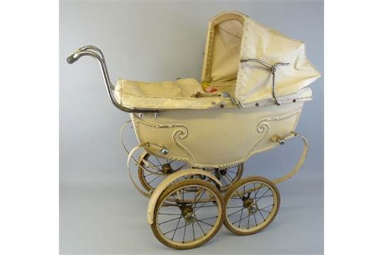 A 1950s Silver Cross Coach Built Dolls Pram Cream Coloured With