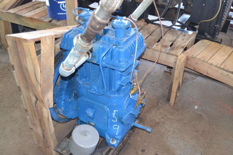 Lot 59 - QUINCEY MODEL 340 COMPRESSOR