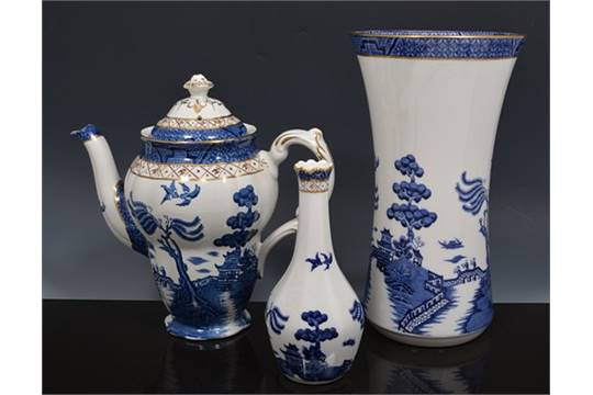 Royal Doulton Vase Real Old Willow Pattern 23cm And A Small