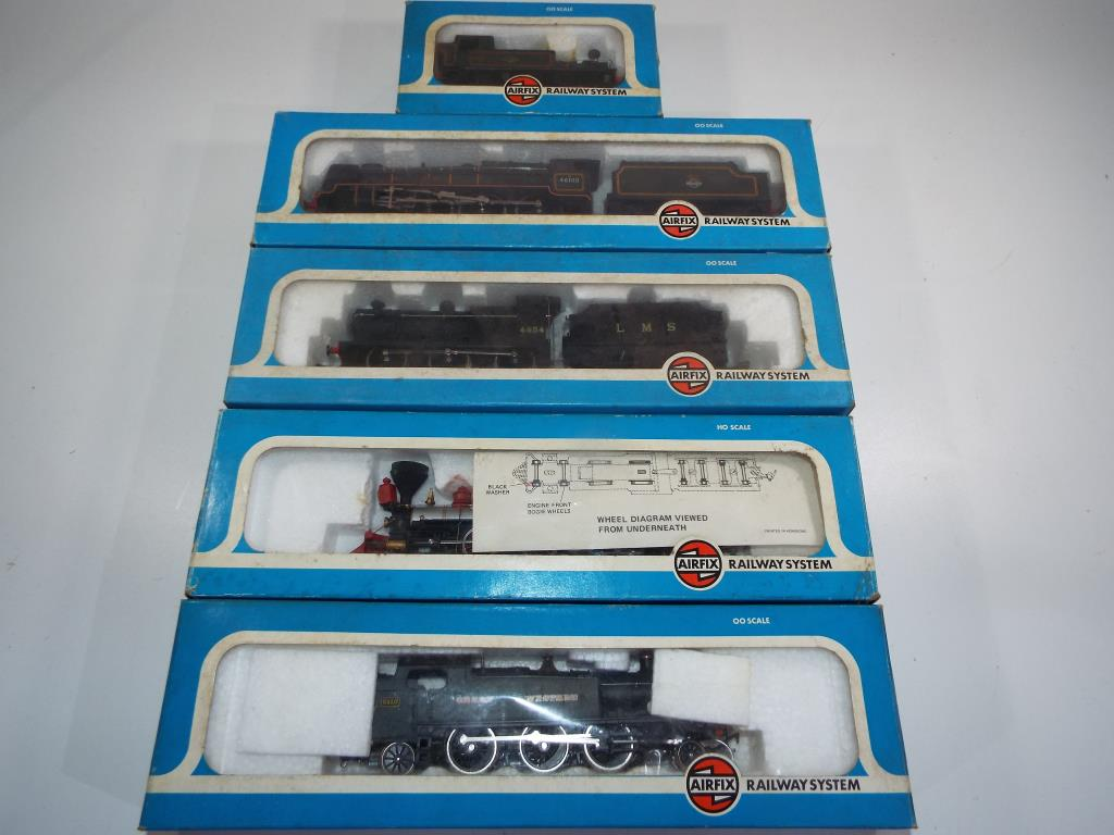 Lot 54 - Model Railways - five OO and HO gauge steam locomotives in original boxes by Airfix #54154-0,