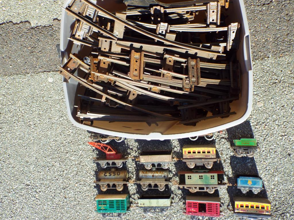 Lot 16 - Model Railways - Hornby / Tri-ang O gauge tinplate rolling stock,