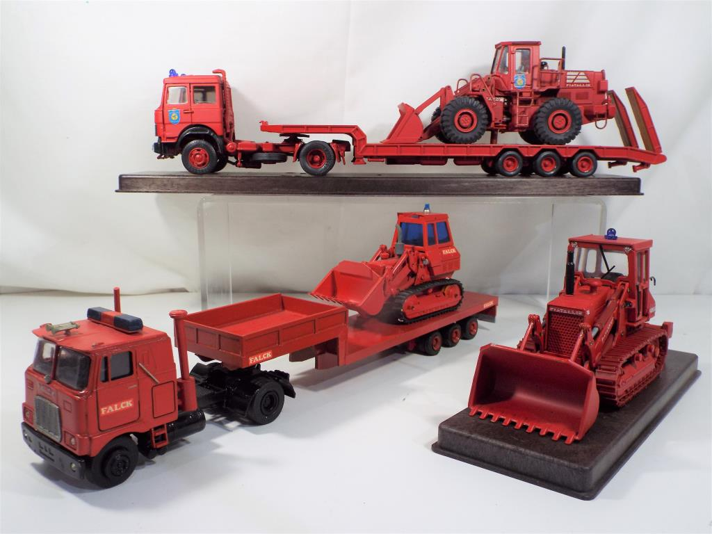 Lot 70 - Oldcars (Italy) - three diecast vehicles all unboxed comprising a Mac and Iveco tractor units with