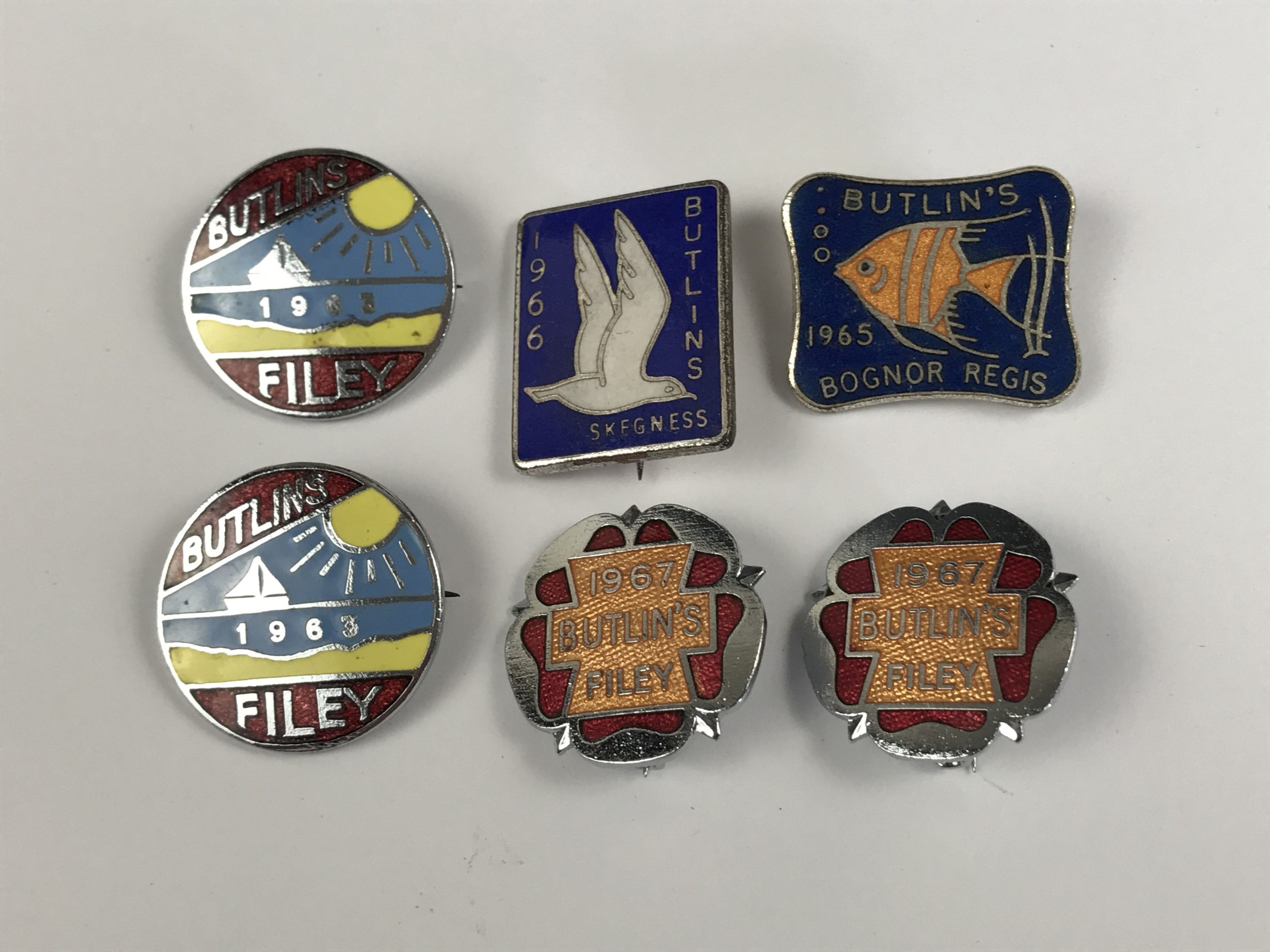 Lot 20 - Six vintage enamelled Butlin's club badges