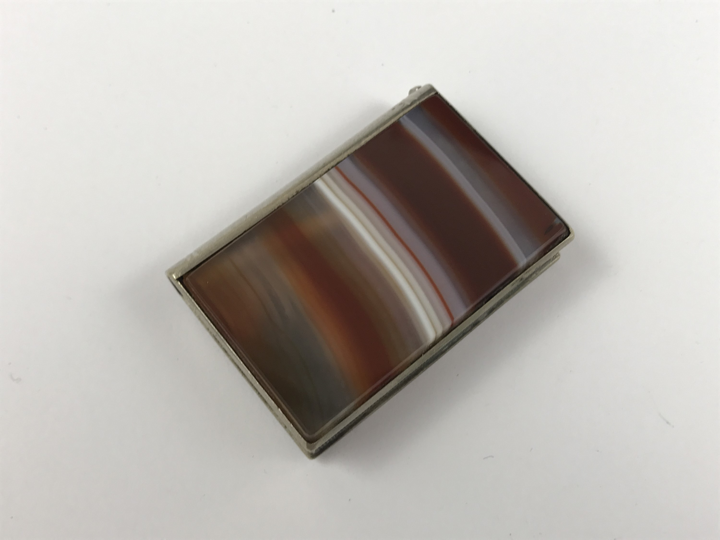 Lot 37 - An electroplate and banded agate vesta case